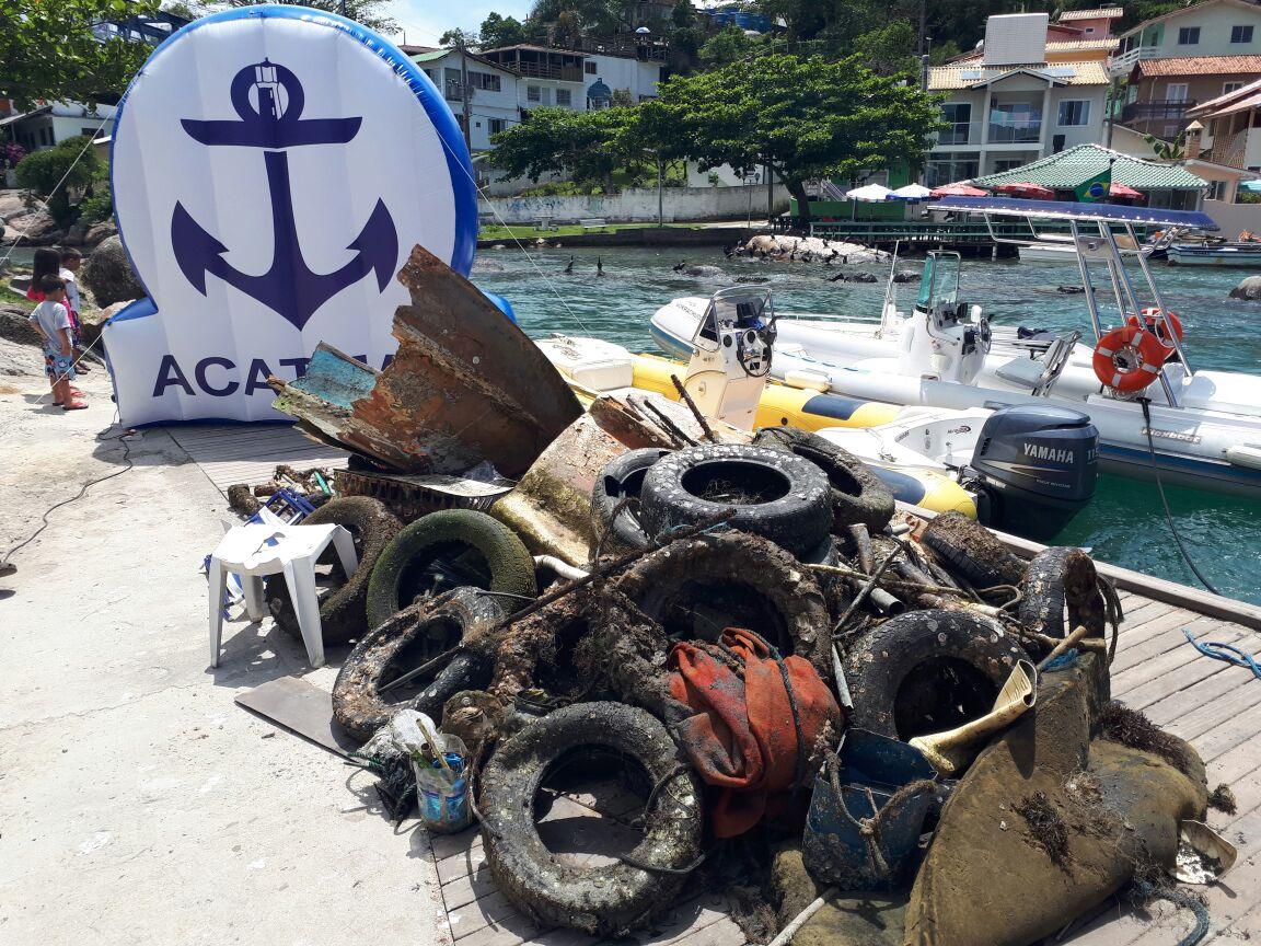 """Ilha do Arvoredo: projeto """"Limpeza dos Mares"""" volta à ativa com o patrocínio do Fort Atacadista"""
