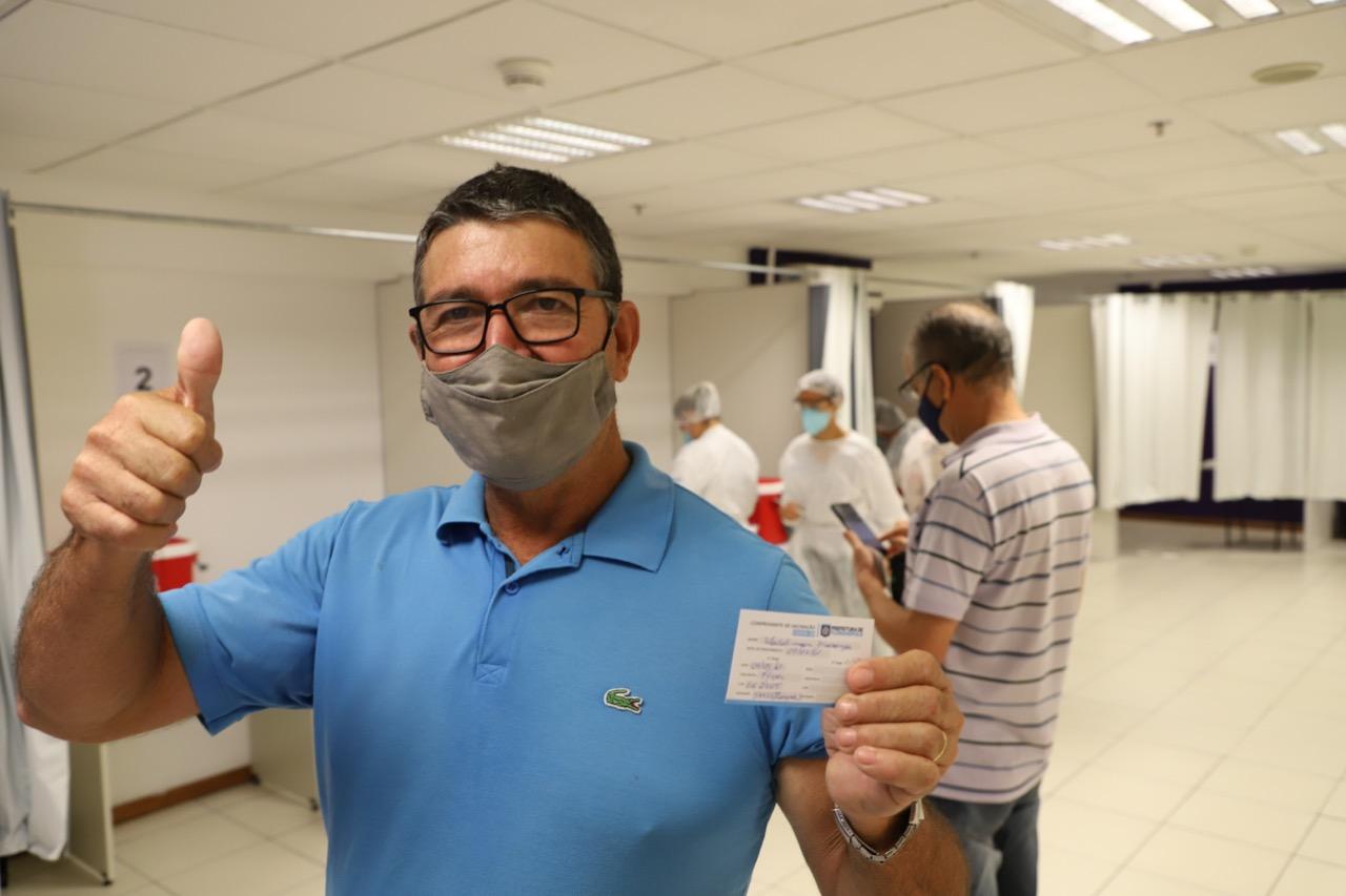 Vacina FLORIPA: Vacinação de pessoas com 52 anos ou mais continuará neste sábado
