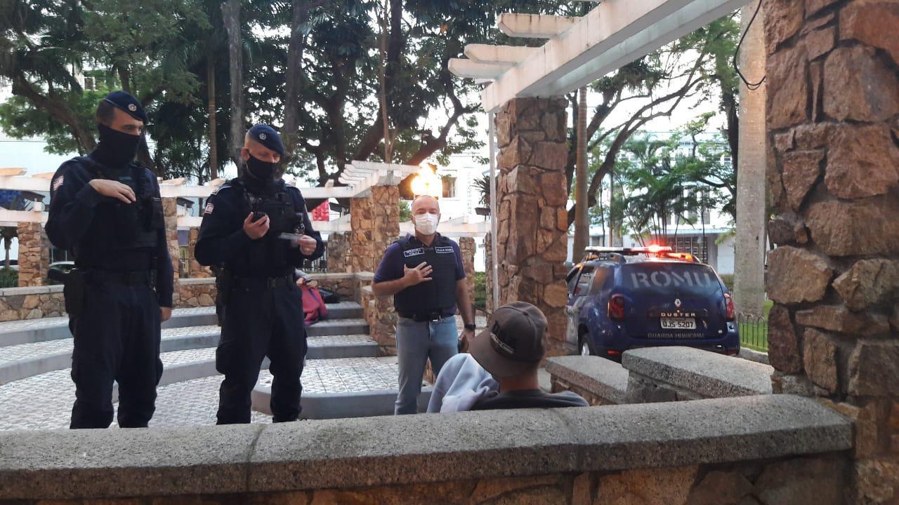"""Operação """"A Praça é Nossa"""": Secretaria de Segurança de Florianópolis garante a segurança da população em diversos bairros na Capital"""
