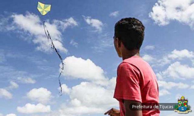 Prefeito sanciona lei que proíbe uso de pipas em Tijucas