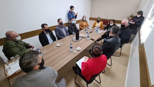 Obras de Reurbanização: Autoridades de Navegantes e Itajaí discutem alternativas para reurbanização do molhe norte