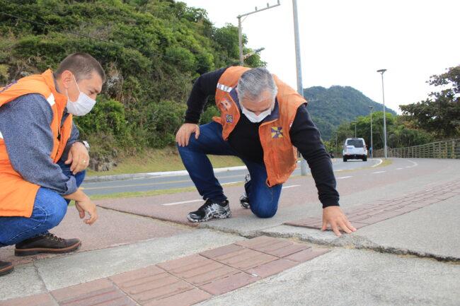 Itajaí: Laudo da Defesa Civil libera calçada e ciclovia de Cabeçudas