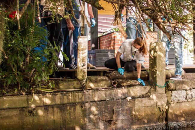 Ação do Trato Pela Lagoa lacra ligação clandestina de restaurante na Barra da Lagoa