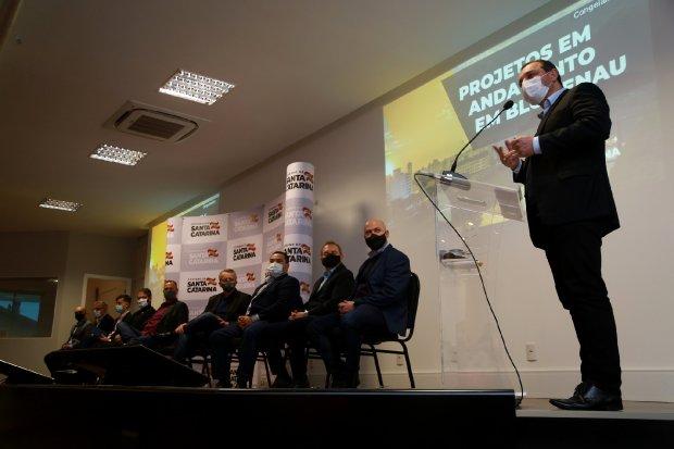 """""""Via Expressa de Blumenau"""": Governador determina retomada das obras"""