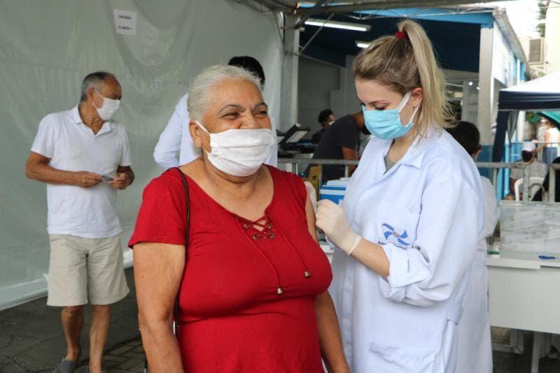 Balneário Camboriú: Vacinação contra Covid-19 amplia para pessoas com 43+