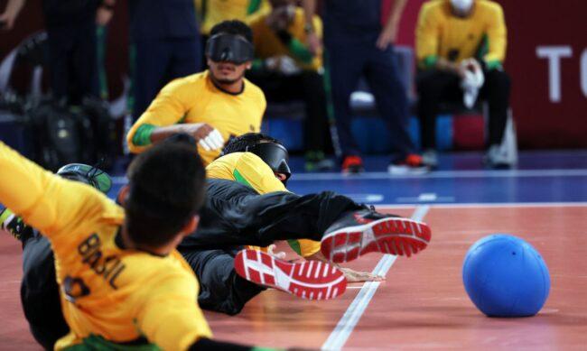 """Paralimpíadas """"Orgulho desses Guerreiros"""": Seleção masculina vence Turquia e avança às semifinais do goalball"""