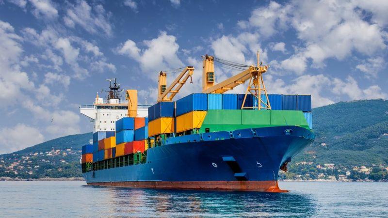 Como uma das maiores crises de transporte marítimo da história pode afetar seu bolso