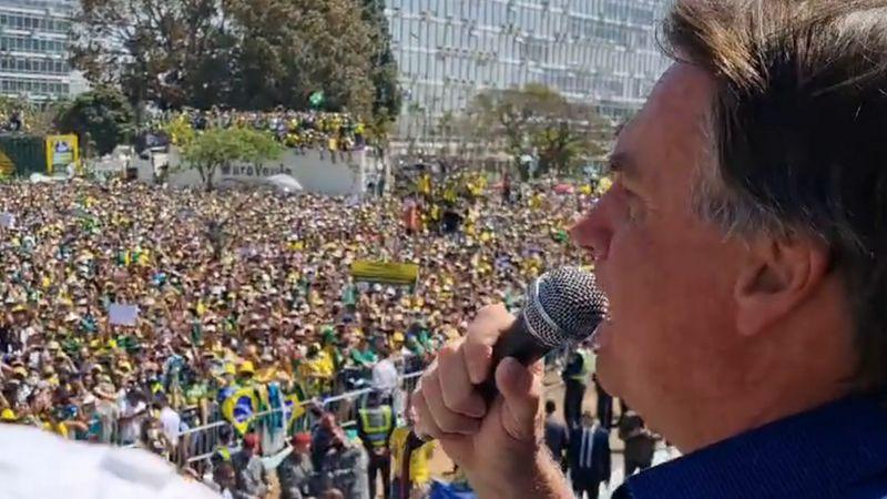 """""""Liberdade Acima de Tudo"""":  Bolsonaro em discurso, 'não queremos brigar' com Poder algum, mas não podemos admitir que uma pessoa coloque em risco a nossa liberdade"""