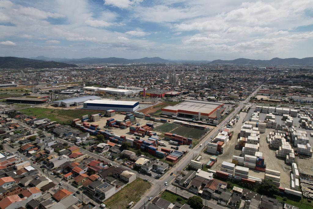 """""""Soluções Viárias em Itajaí"""": Adolfo Konder terá terceiro retorno de quadra implantado ainda este ano"""