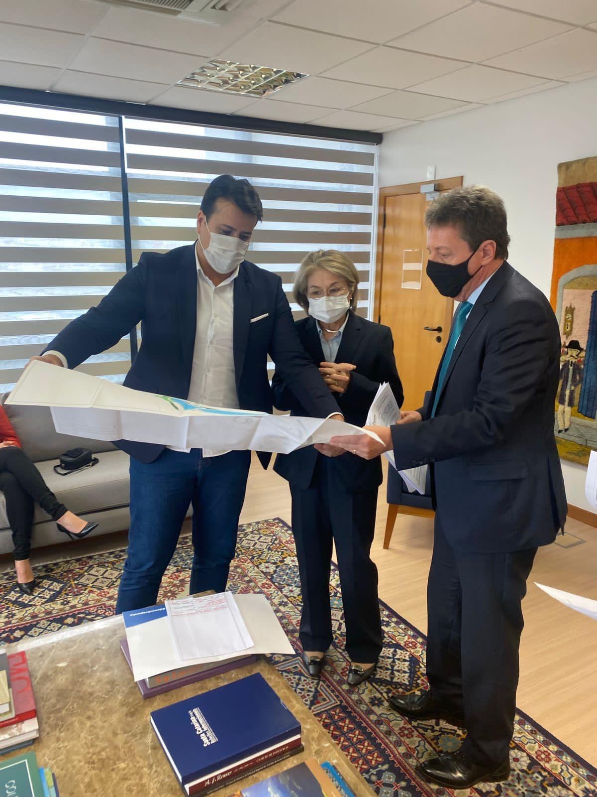 Prefeito de Penha esteve com o presidente do TJ de Santa Catarina para debater sobre a construção do Fórum de Penha