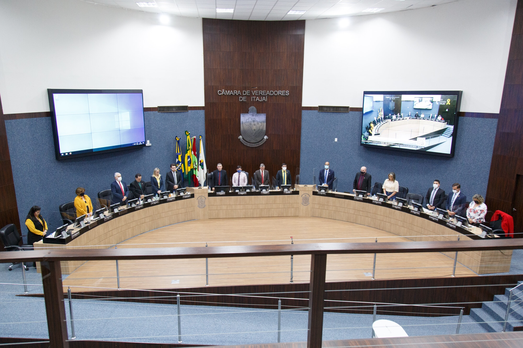 Câmara de Itajaí institui Política Permanente Papel Zero no Dia da Árvore