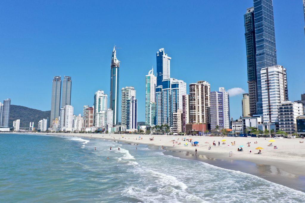Mais de 1 milhão de metros cúbicos já foram trazidos para a Recuperação da Praia Central