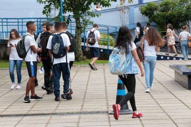 Educação informa datas de matrícula e rematrícula na rede estadual em 2022
